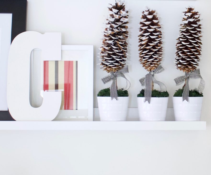 A Unique DIY Christmas Tree Holiday Decor Craft